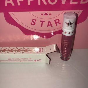Jeffree Star Liquid Lipstick in Doll Parts